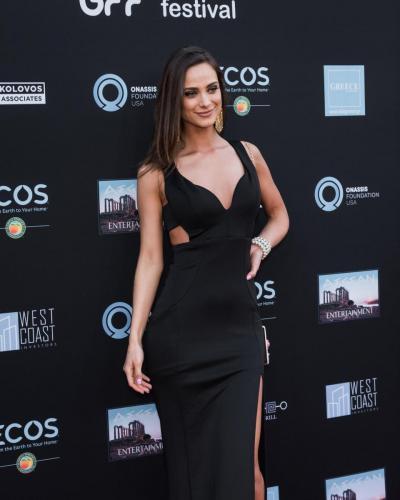 Singer Corinna Kaplanis